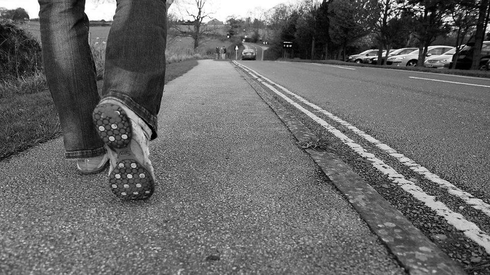Περπατώντας μόνος / Walking on your own