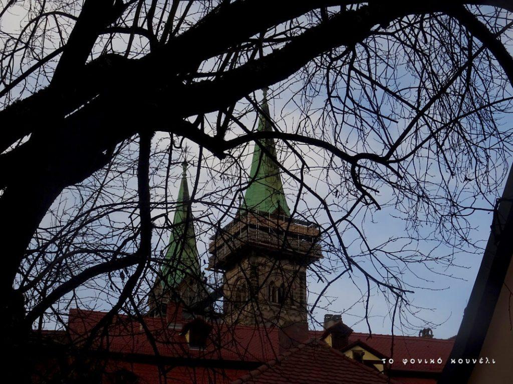 Κλαδιά και καθεδρικός ναός στο Bamberg / Tree branches and cathedral in Bamberg