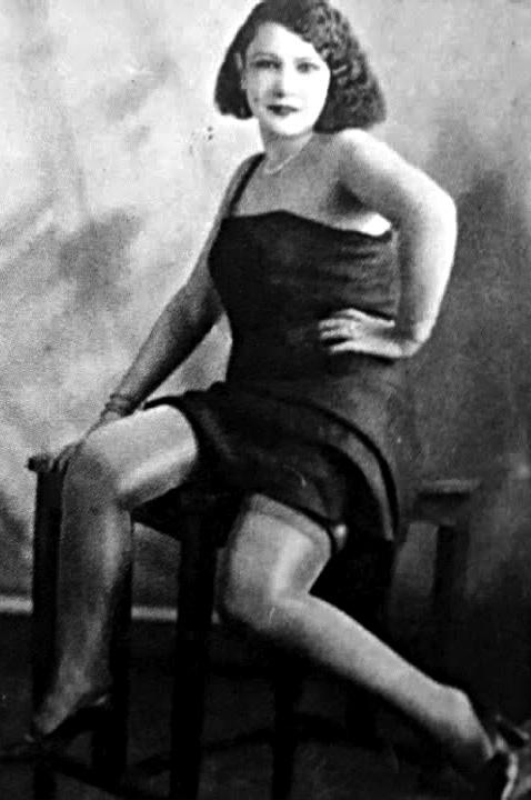 Η Ρόζα Εσκενάζυ στα νιάτα της / Rosa Eskenazi when she was young