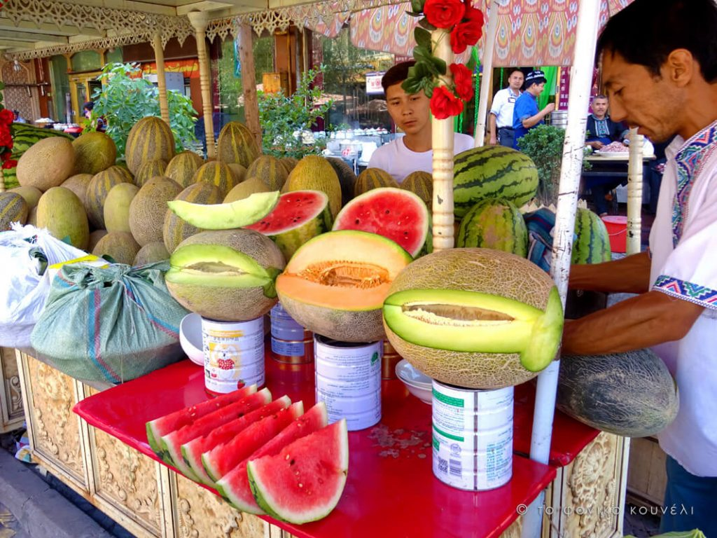 Κίνα, στο δρόμο του μεταξιού... τα περίφημα πεπόνια Χάμι / China, on the Silk Road