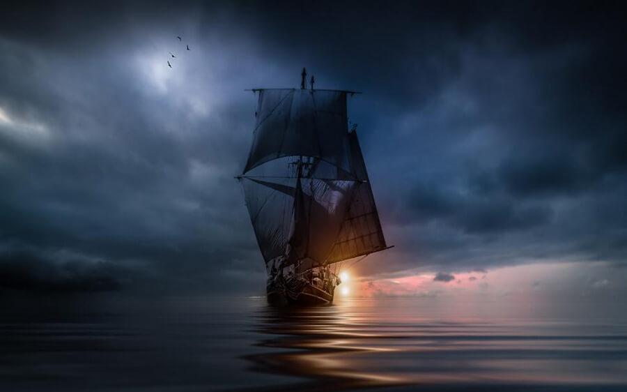 Καράβι που σαλπάρει στο λυκόφως / Ship sailing in the twilight