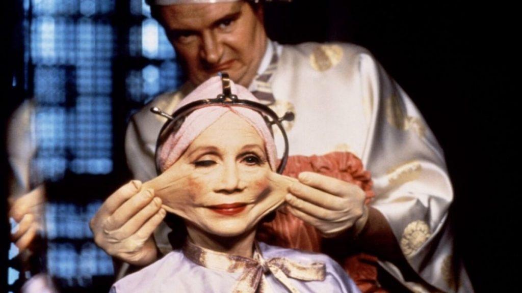 Plastic surgery in Brazil by Terry Gilliam, a scene from the film / Πλαστική χειρουργική στο Μπραζίλ του Τέρι Γκίλιαμ